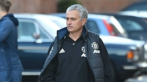 Mourinho makes Man Utd to train in hotel car park again - Photos